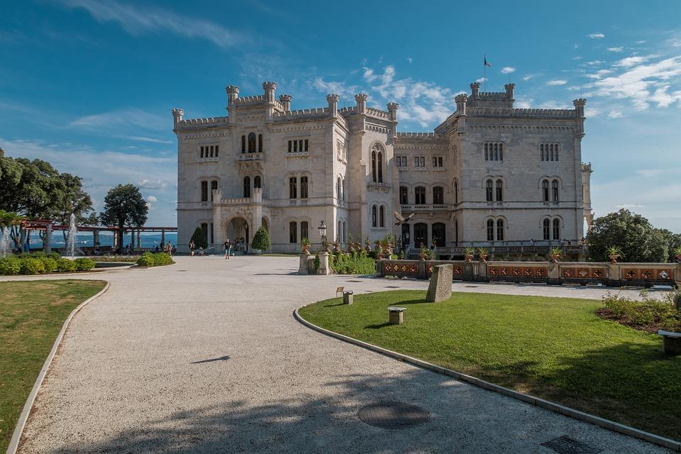 """Trieste - """"Un Viaggio nella Storia"""" Italiana"""